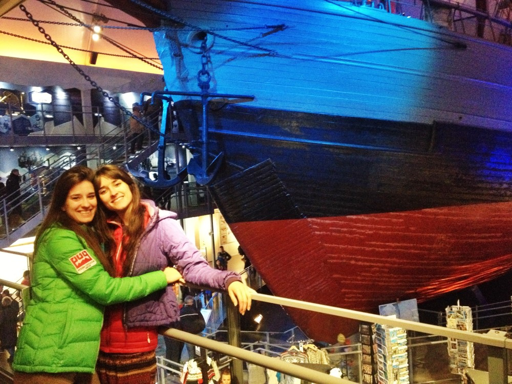 kasia i karolina kowalczyk twins on tour frame museum oslo norway