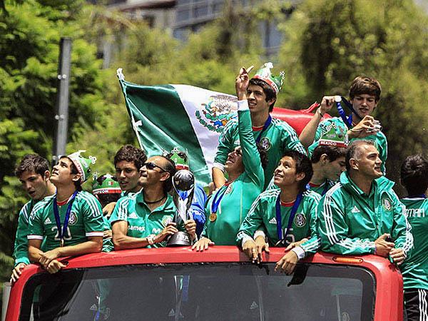mexico twins on tour  (14)-2