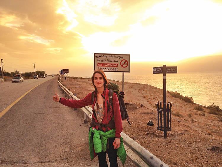 small twins on tour kasia jordania autostop-2