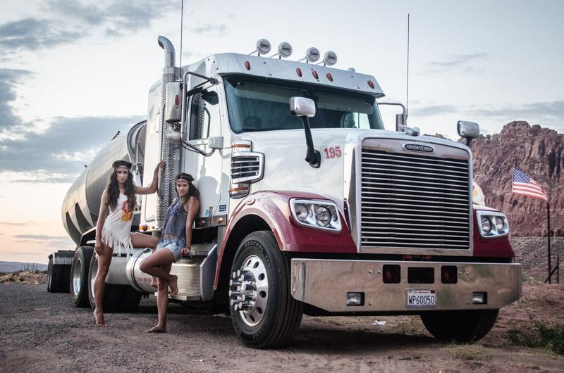 Twins on tour usa truck