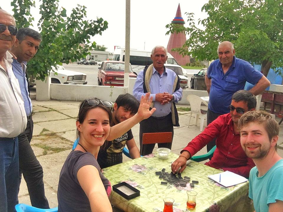kasia twins on tour podroz azerbejdzan ludzie autostop
