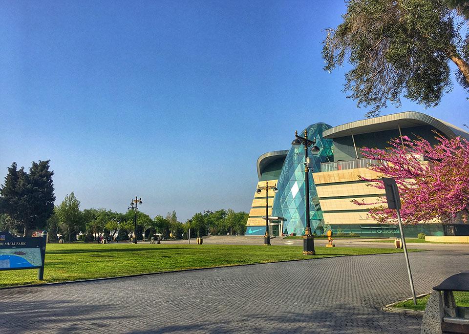 park twins on tour azerbejdzan podroz baku