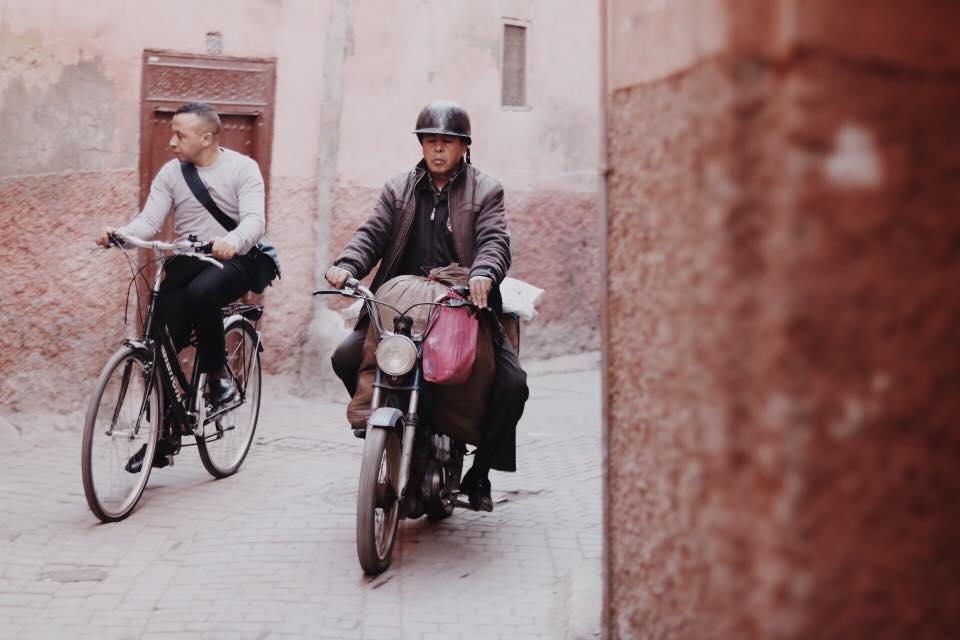 marakesh marakesz maroko twins on tour
