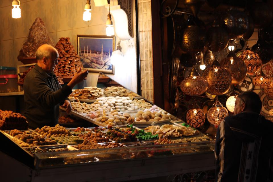 targ market twins on tour maroko marroc marakesz