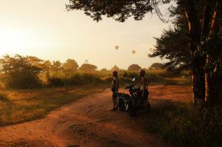 bagan twins-on-tour burma myanmar baloons